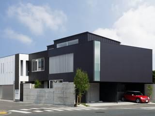 VERTICAL HOUSE (縦格子の家) オリジナルな 家 の MITSUTOSHI OKAMOTO ARCHITECT OFFICE 岡本光利一級建築士事務所 オリジナル