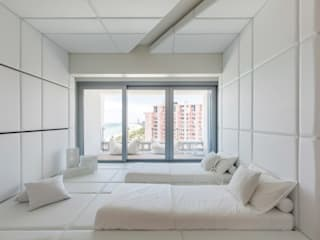 ​A Pied-à-terre in Miami Beach, by Alessandro Isola Modern style bedroom by Alessandro Isola Ltd Modern