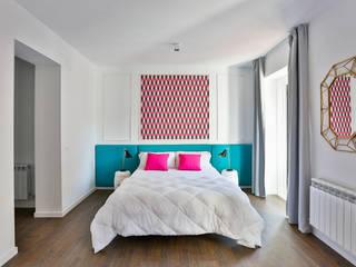 Dormitorio suite : Dormitorios de estilo  de StudioBMK