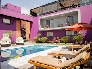 AREA DE ALBERCA, LA MORADA HOTEL BOUTIQUE & SPA, TEPOTZOTLÁN.: Hoteles de estilo  por rave arch