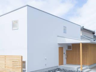 江南の家/庭を囲む家 モダンな 家 の 加藤淳一級建築士事務所 モダン
