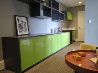 Oficinas de estilo  por Concept Engenharia + Design,