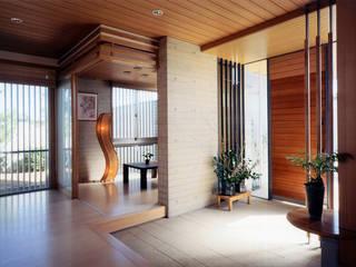 RC造の三世代住宅|六条の家 モダンスタイルの 玄関&廊下&階段 の シーズ・アーキスタディオ建築設計室 モダン