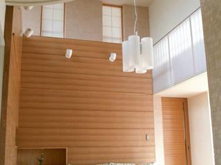 Livings de estilo  por シーズ・アーキスタディオ建築設計室