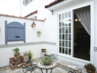 Mediterranean style garden by 주식회사 인듀어홈 코리아 Mediterranean