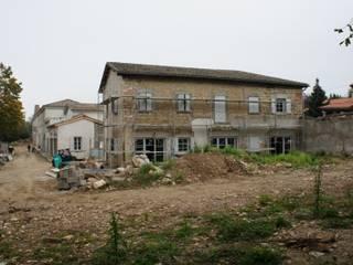 Réhabilitation d'un couvent en une maison d'habitation par Batiart Création Moderne
