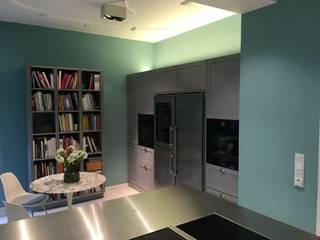 Cuisine méditerranéenne par Wohn- und Küchendesign Meyer GmbH Méditerranéen