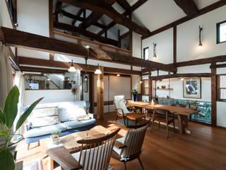 森村厚建築設計事務所 Livings de estilo asiáticos Madera Acabado en madera