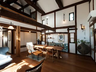 森村厚建築設計事務所의  거실, 한옥 우드 우드 그레인
