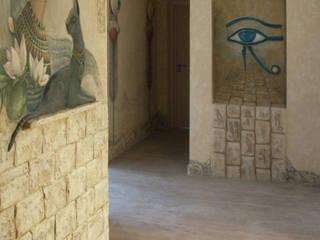 """проект """"Египет"""" Коридор, прихожая и лестница в колониальном стиле от Художественная мастерская 'Оникс' Колониальный"""