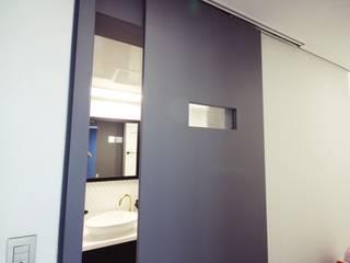 중랑구 상봉프레미어스엠코 럭셔리한 싱글남 홈스타일링 모던스타일 욕실 by homelatte 모던