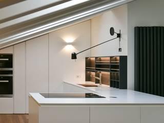 Minimalistische keukens van Claude Petarlin Minimalistisch