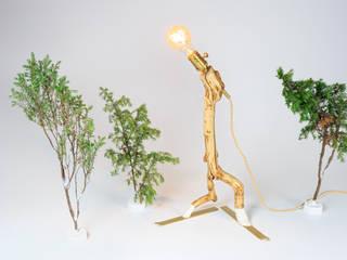 "Lamp ""Skier I"" par Meble Autorskie Jurkowski Industriel"