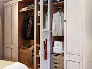 Modern dressing room by Conexo. Modern