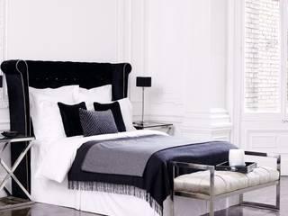 Camera da letto moderna di Conexo. Moderno Legno massello Variopinto