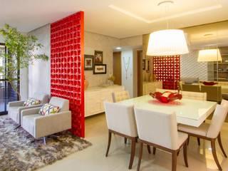 Cris Nunes Arquiteta Dining roomTables