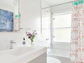 Kids' Bath Modern bathroom by Clean Design Modern
