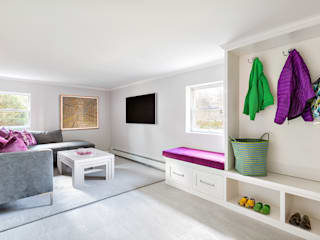 Basement: modern Living room by Clean Design