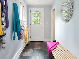 Mudroom Modern Corridor, Hallway and Staircase by Clean Design Modern