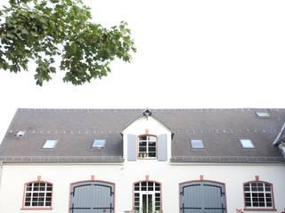 Leben im ehemaligen Staatsweingut Klassische Häuser von Neugebauer Architekten BDA Klassisch