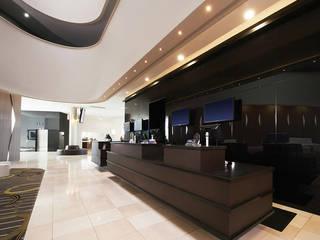 Zenolite, paneles de alto brillo y apariencia similar a la del vidrio Oficinas de estilo moderno de FORMICA Venezuela Moderno