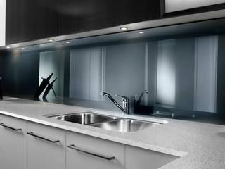 Zenolite, paneles de alto brillo y apariencia similar a la del vidrio Cocinas de estilo moderno de FORMICA Venezuela Moderno