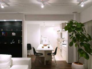 Salle à manger de style  par 株式会社ブルースタジオ, Moderne
