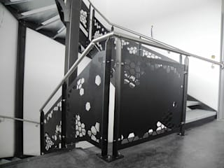 Corridor & hallway by NATUREL METAL FERFORJE, Modern Iron/Steel