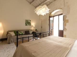 Mediterranean style bedroom by Boite Maison Mediterranean