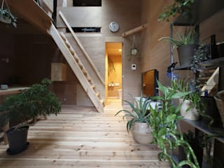 tiny house: FORMA建築研究室が手掛けたリビングです。