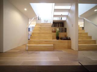サルトリイバラハウス オリジナルスタイルの 玄関&廊下&階段 の FORMA建築研究室 オリジナル
