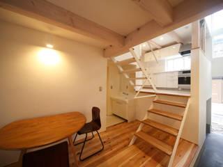 狭くて広い家 オリジナルデザインの 多目的室 の FORMA建築研究室 オリジナル