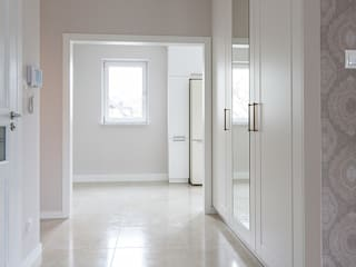 Segment w Ursusie Klasyczny korytarz, przedpokój i schody od ABU Wnętrza Klasyczny