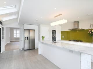 Tooting Furzedown Modern kitchen by Clara Bee Modern