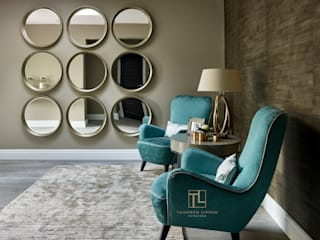 Couloir et hall d'entrée de style  par Tailored Living Interiors, Moderne