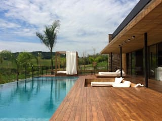 Modern Houses by Juliana Meda Arquitetura Modern Wood Wood effect