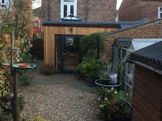 Cedar Clad Timber Frame Extension : modern  by JMAD Architecture (previously known as Jenny McIntee Architectural Design), Modern