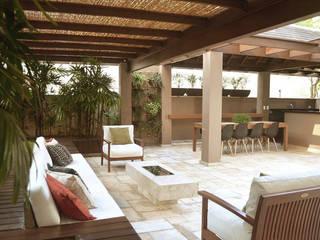 Terrazas de estilo  por Cecília Mesquita Arquitetura,