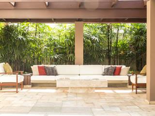 Reforma de Terraço Gourmet Varandas, alpendres e terraços tropicais por Cecília Mesquita Arquitetura Tropical