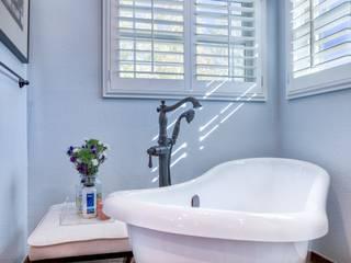 Country Estates Master Bath :  Bathroom by Studio Design LLC
