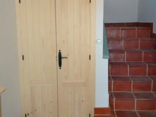 Cooperativa de la madera 'Ntra Sra de Gracia' Windows & doors Doors Parket Wood effect