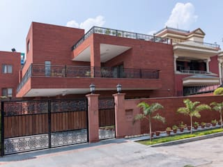Houses by Vijay Kapur Designs,