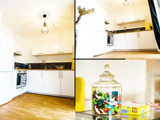 décoration d'un appartement témoin :  de style  par Koya Architecture Intérieure, Moderne