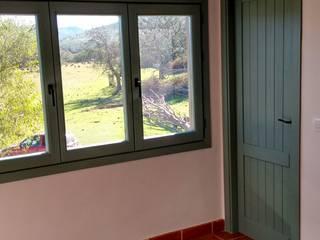 Cooperativa de la madera 'Ntra Sra de Gracia' Балкони, веранди & тераси Меблі Масив Дерев'яні