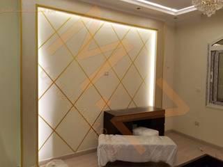 غرفة نوم رئيسيه :  غرفة نوم تنفيذ شركة زمزم للتصميم و التفيذ المعماري