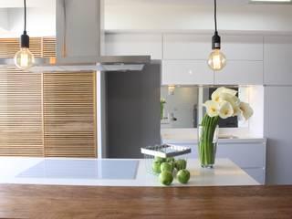 Cocinas de estilo  por Concept Engenharia + Design,