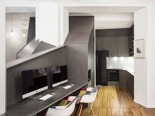 Appartement XIV Salon moderne par STUDIO RAZAVI ARCHITECTURE Moderne