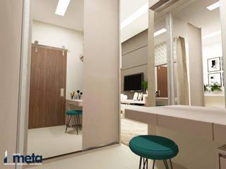 Suíte do Casal e Closet Closets por Grupo Meta | Arquitetura, Engenharia e Meio Ambiente Moderno