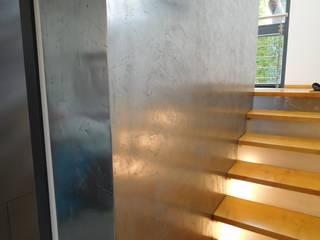 Malereibetrieb Kauroff GmbH Koridor & Tangga Gaya Eklektik Metal
