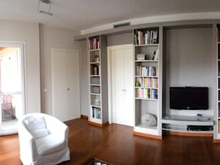 Fabio Ricchezza architetto Modern living room Wood Grey